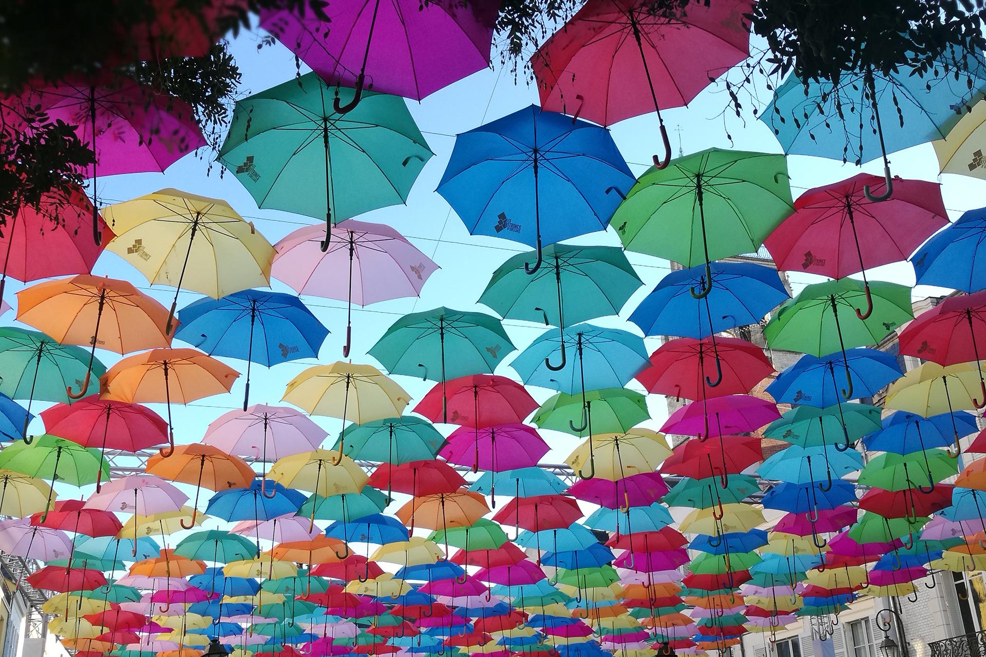 """Affiche """"Ciel de parapluies"""" © Morgane Baltzer"""